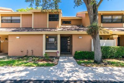 Coconut Creek Condo For Sale: 2257 NW 45th Ave #2257