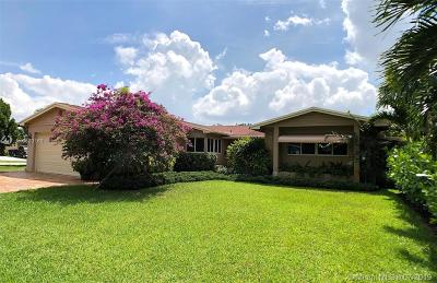 Pembroke Pines Single Family Home For Sale: 601 SW 66th Ter