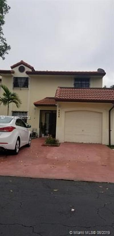 Hialeah Single Family Home For Sale: 6624 NW 188th Ln