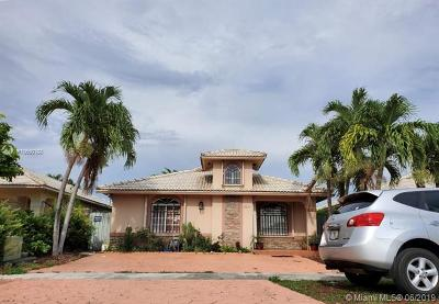 Hialeah Gardens Single Family Home For Sale: 12635 NW 98th Pl