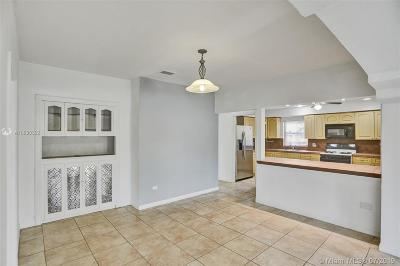 Miami Beach Single Family Home For Sale: 1820 Biarritz Dr