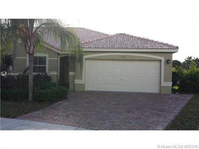 Weston Single Family Home For Sale: 4240 Pine Ridge Ct