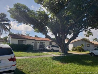Hollywood Single Family Home For Sale: 3434 S Longfellow Cir