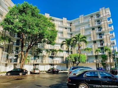Aventura Condo For Sale: 20500 W Country Club Dr #702