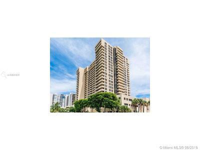 Miami Beach Condo For Sale: 2555 Collins Ave #2405