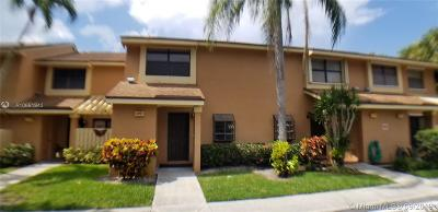 Coconut Creek Condo For Sale: 3747 N Carambola Cir N #2893