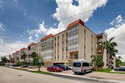 Lauderdale By The Sea Condo For Sale: 4629 Poinciana St #312