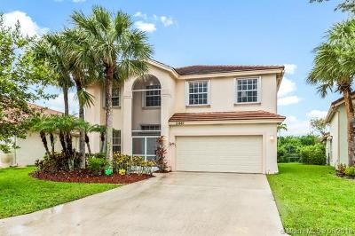 Boca Raton Single Family Home For Sale: 21887 Philmont Ct