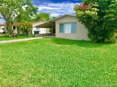 Miramar Single Family Home For Sale: 7809 Madeira St