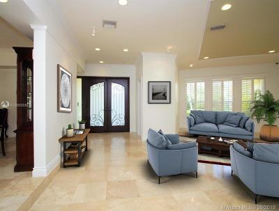 Coral Gables Single Family Home For Sale: 7155 E Lago Dr
