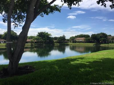 Tamarac Condo For Sale: 5465 Gate Lake #5465
