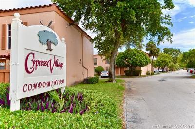 Miami Lakes Condo For Sale: 7101 Miami Lakes Dr #Q19