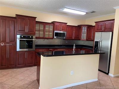 Pembroke Pines Single Family Home For Sale: 691 NW 157th Ln
