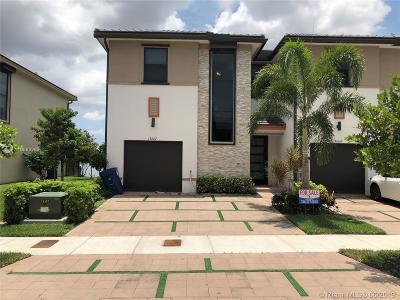 Miami Lakes Condo For Sale: 15667 NW 91st Ct #1