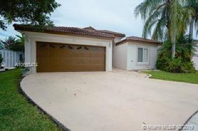 Pembroke Pines Single Family Home For Sale: 17626 SW 10th St