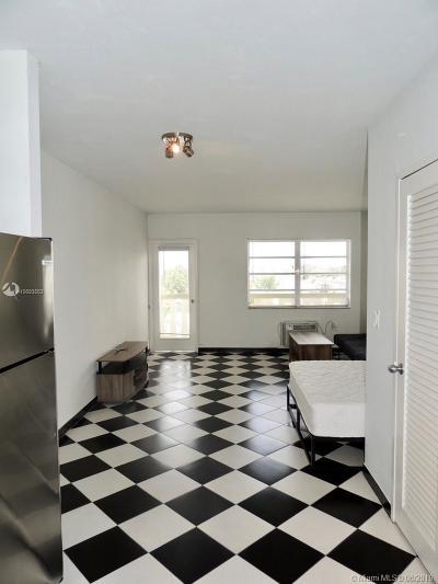 Miami Beach Condo For Sale: 851 Meridian Ave #53
