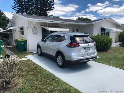 Tamarac Single Family Home For Sale: 4921 NW 55th St
