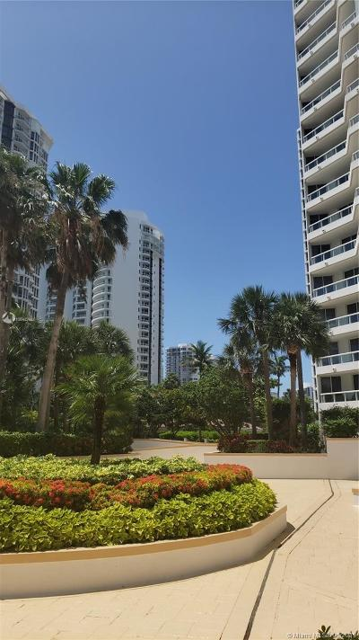 Aventura Condo For Sale: 21205 Yacht Club Dr #308