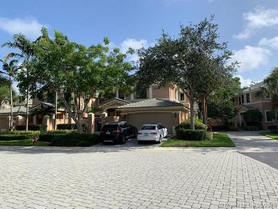 Weston Condo/Townhouse For Sale: 2701 Center Ct Dr #2-14