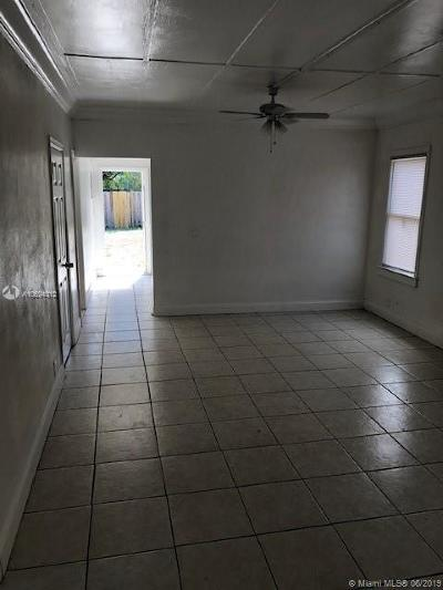 Riviera Beach Single Family Home For Sale: 571 W 6th St
