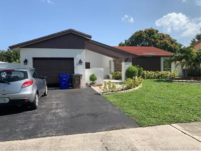 Deerfield Beach Single Family Home For Sale: 3826 NW 1st Place