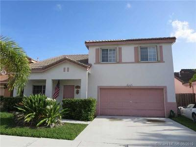 Miami Single Family Home For Sale: 15859 SW 74th Ln