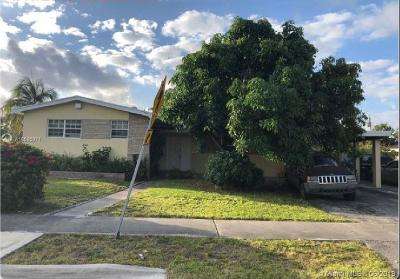 North Miami Beach Single Family Home For Auction: 440 NE 180th Dr
