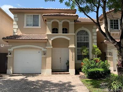 Doral Single Family Home For Sale: 11342 NW 72nd Ter