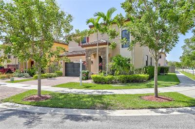 Miami Single Family Home For Sale: 15174 SW 114th St