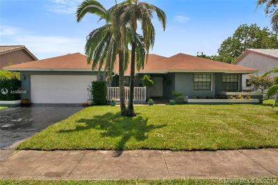 Plantation Single Family Home For Sale: 324 NW 102nd Ter