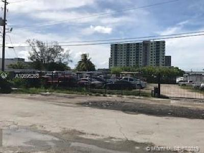 Miami Single Family Home For Sale: 3543 NW 34th St