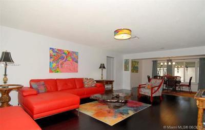 Pompano Beach Single Family Home For Sale: 3251 E Golf Blvd