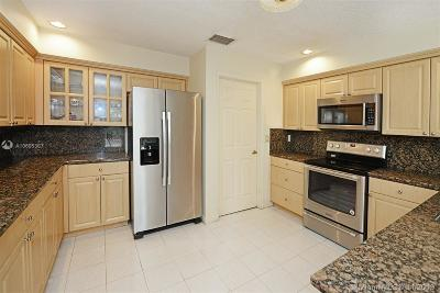 Deerfield Beach Condo For Sale: 799 Villa Portofino Cir #799