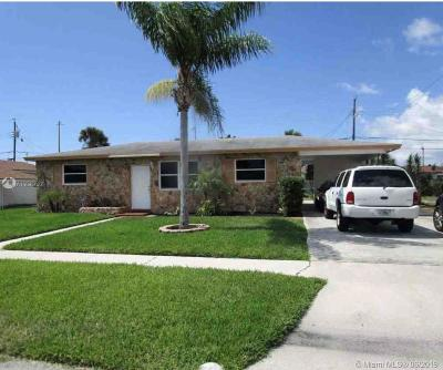 Riviera Beach Single Family Home For Sale: 621 W 35th St