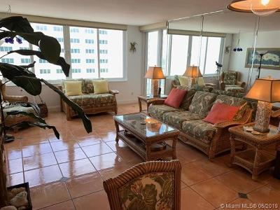 Miami Beach Condo For Sale: 5401 Collins Ave #912