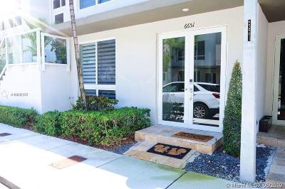 Doral Condo For Sale: 6651 NW 105 Pl
