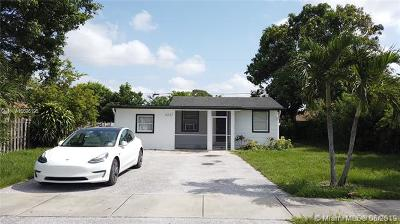 Lake Worth Single Family Home For Sale: 4337 Clinton Blvd
