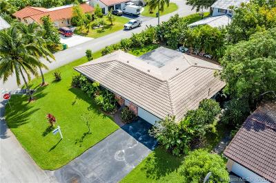 Coral Springs Single Family Home For Sale: 7804 NW 41st St