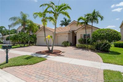 Royal Palm Beach Single Family Home For Sale: 9248 Madewood Ct