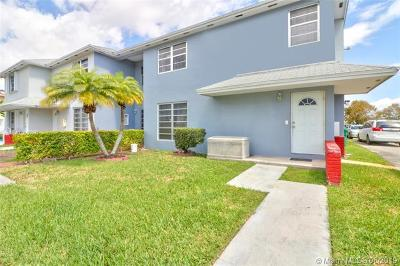 Cutler Bay Condo For Sale: 19390 SW 103rd Ct #A