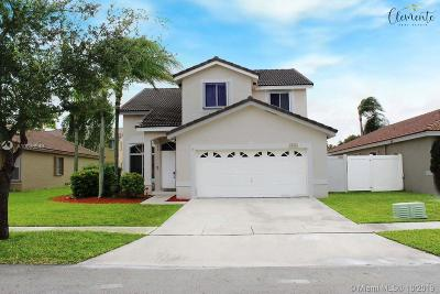 Pembroke Pines Single Family Home For Sale: 961 SW 177th Way