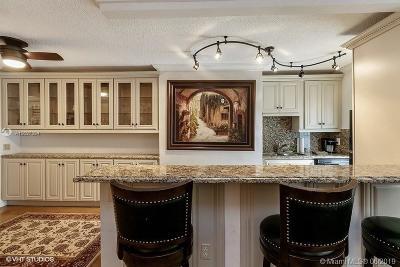 Miami Beach Condo For Sale: 1698 Jefferson Ave #45