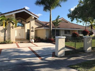 Miami Single Family Home For Sale: 9100 SW 68th St