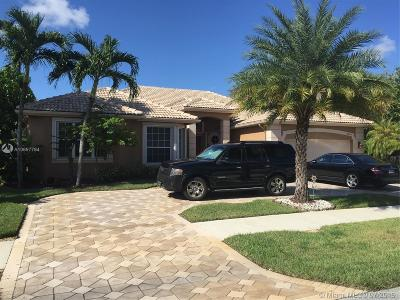 Davie Single Family Home For Sale: 8403 N Lake Forest Dr