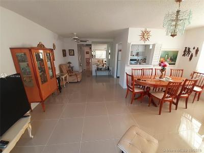 Deerfield Beach Condo For Sale: 308 N Markham N #308