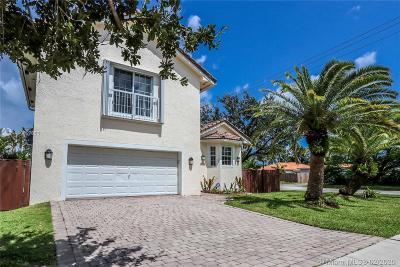 Hollywood Single Family Home For Sale: 1401 Dewey St
