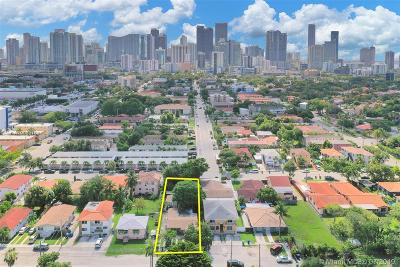 Miami Single Family Home For Sale: 951 SW 8th Ct