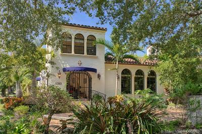 Coral Gables Single Family Home For Sale: 700 Navarre Ave
