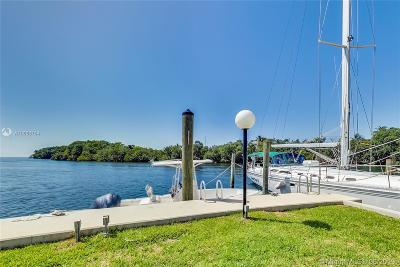 Coral Gables Condo For Sale: 6901 Edgewater Dr #213