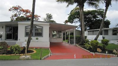 Davie Single Family Home Active With Contract: 2000 SW 84th Ave